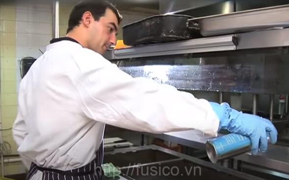 Tẩy sạch inox 3M Stainless Steel nhà hàng khách sạn