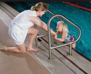 Sử dụng thảm 3M Z-web 3200 khu vực bể bơi