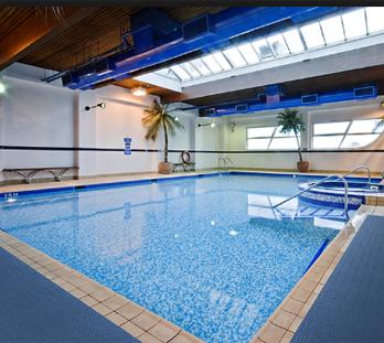 Ứng dụng thảm 3M Zweb 3200 bể bơi